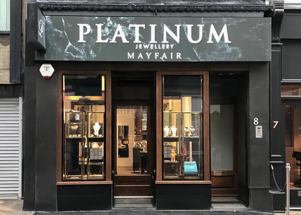 wood effect heritage shopfront on Platinum Jewellery in Mayfair, London.